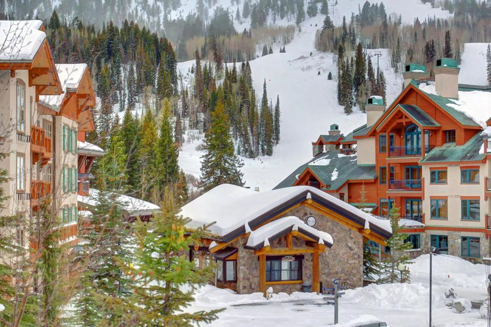 Eagle Springs East 214: Grosbeak Suite - Solitude Vacation Rental - Photo 50