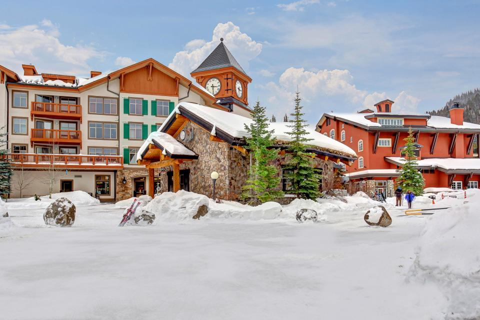 Eagle Springs East 214: Grosbeak Suite - Solitude Vacation Rental - Photo 42
