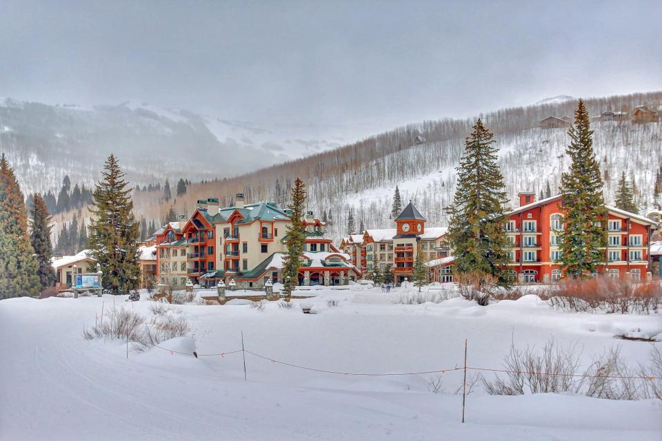 Eagle Springs East 214: Grosbeak Suite - Solitude Vacation Rental - Photo 43