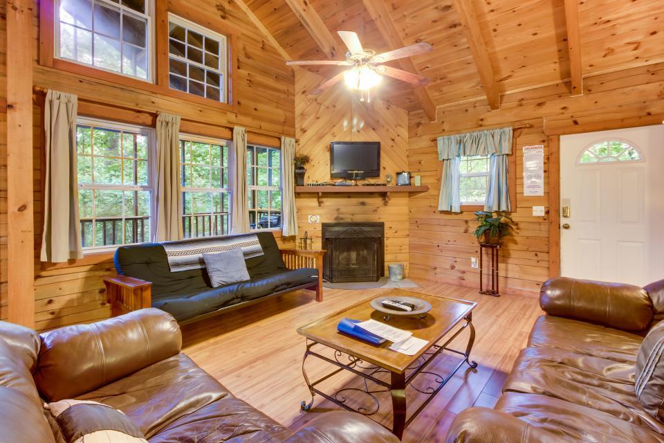 The Hideaway - Sautee Nacoochee Vacation Rental