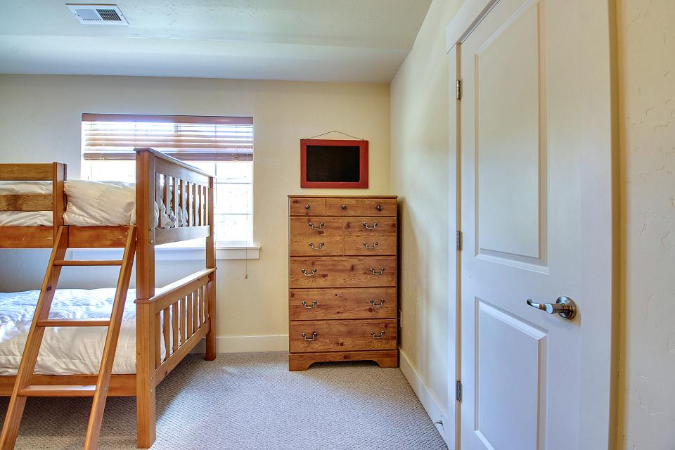 Kodiak Home with Private Hot Tub 1 - Park City Vacation Rental - Photo 27