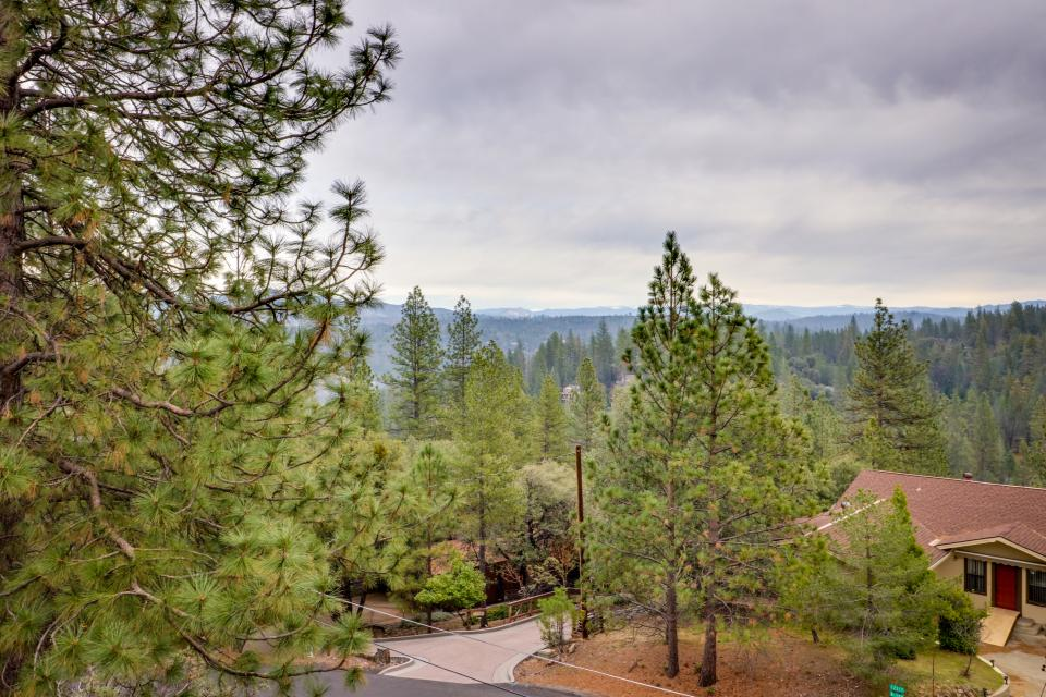 The Mountain House - Groveland Vacation Rental - Photo 22