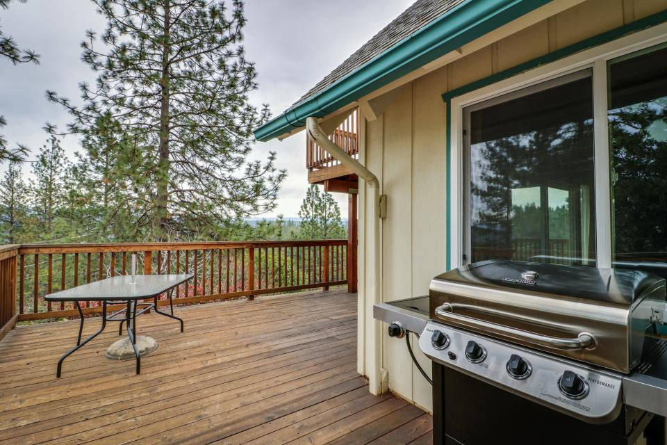 The Mountain House - Groveland Vacation Rental - Photo 19