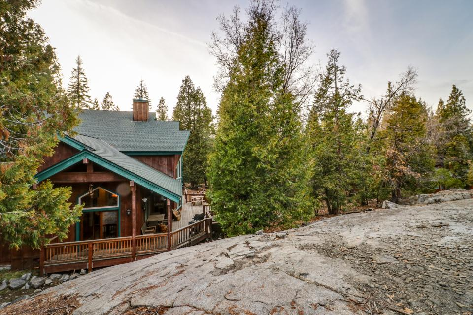 Rocky Pines Lodge - Shaver Lake Vacation Rental - Photo 32
