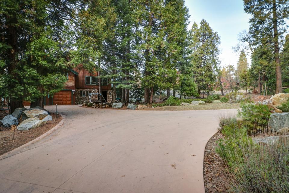 Rocky Pines Lodge - Shaver Lake Vacation Rental - Photo 33