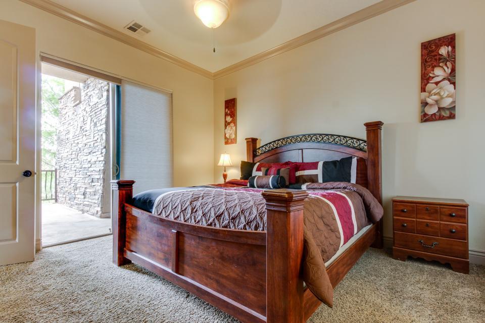 Coral Springs | 3 BD Vacation Rental in Hurricane, UT | Vacasa