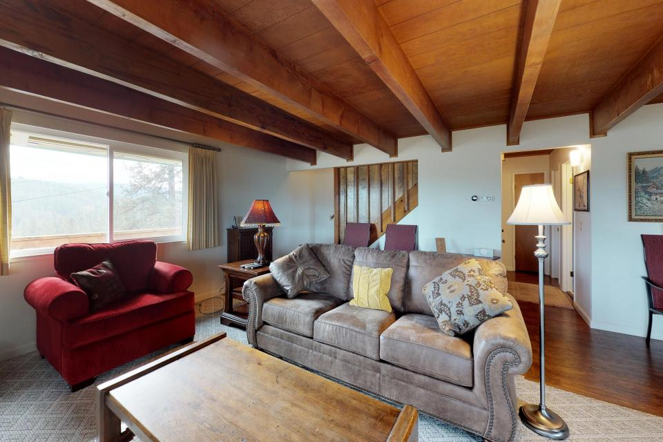 The Mountain House - Groveland Vacation Rental - Photo 16