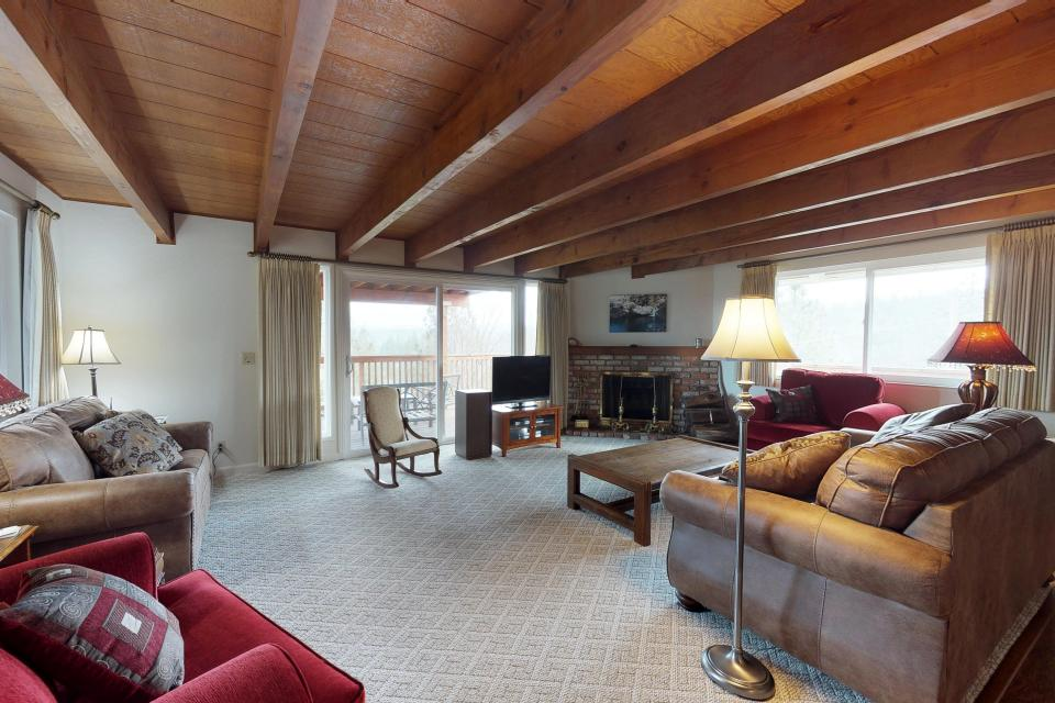 The Mountain House - Groveland Vacation Rental - Photo 15