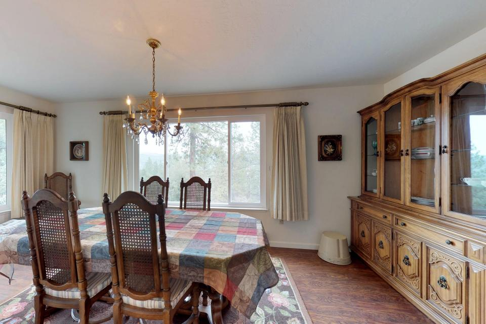 The Mountain House - Groveland Vacation Rental - Photo 10