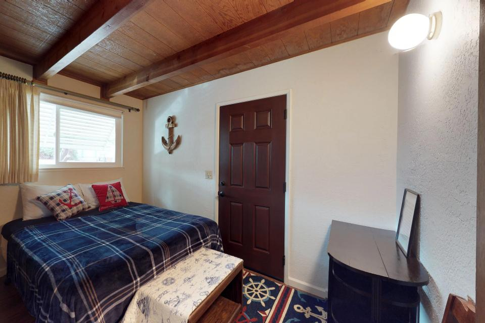 The Mountain House - Groveland Vacation Rental - Photo 9