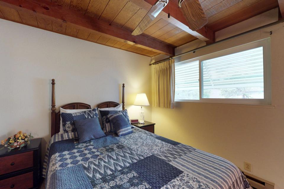The Mountain House - Groveland Vacation Rental - Photo 7