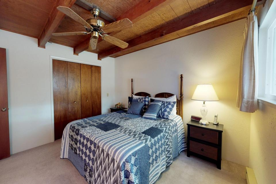 The Mountain House - Groveland Vacation Rental - Photo 6
