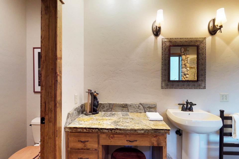 Rocky Pines Lodge - Shaver Lake Vacation Rental - Photo 20