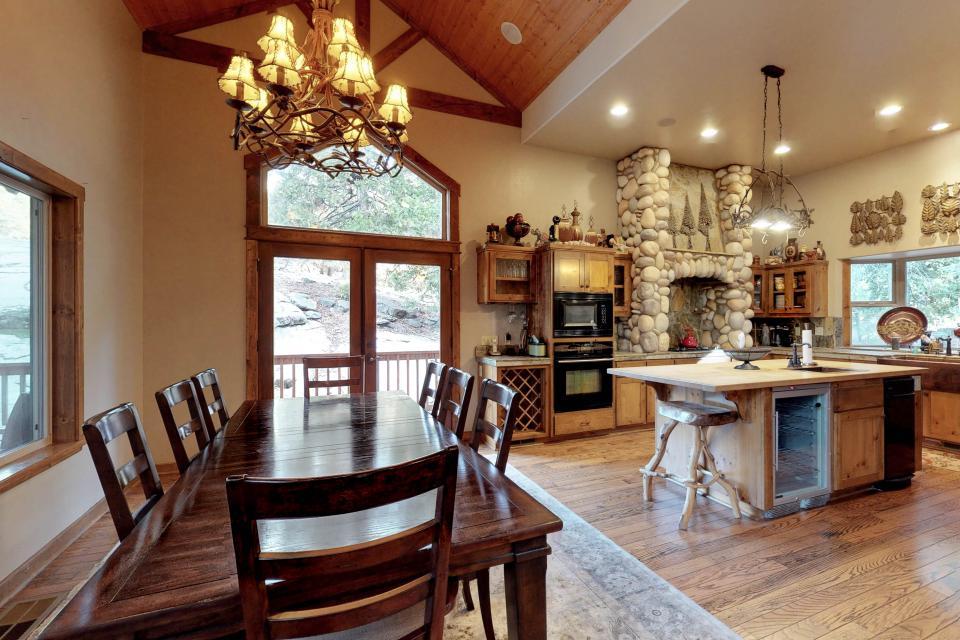Rocky Pines Lodge - Shaver Lake Vacation Rental - Photo 3