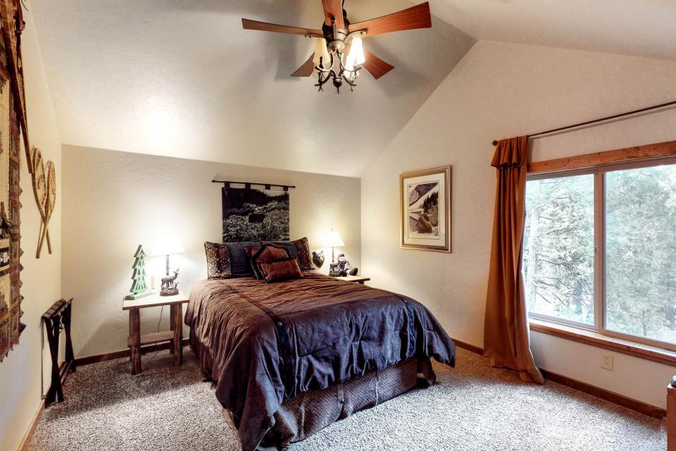 Rocky Pines Lodge - Shaver Lake Vacation Rental - Photo 21