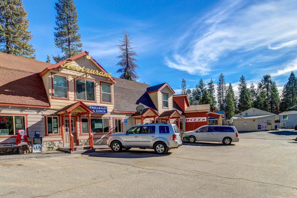 Rocky Pines Lodge - Shaver Lake Vacation Rental - Photo 39