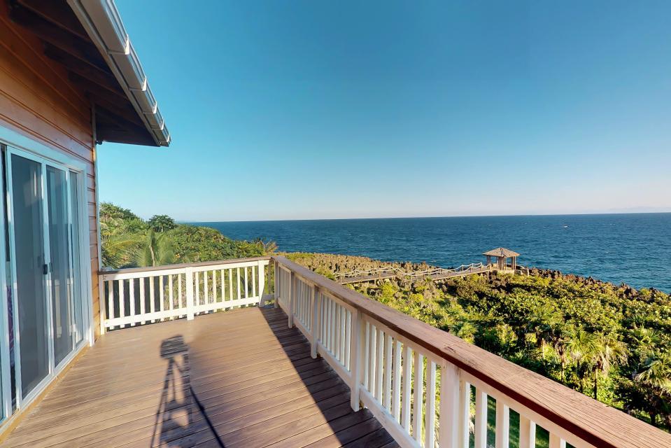 Villa Hermosa Vista - West Bay Vacation Rental - Photo 27