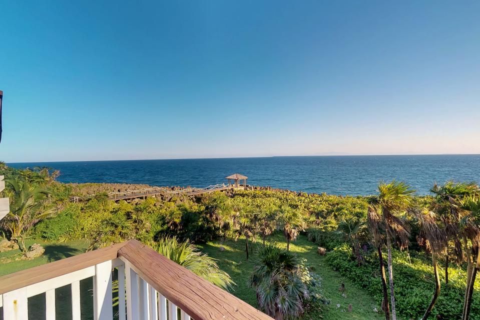 Villa Hermosa Vista - West Bay Vacation Rental - Photo 29
