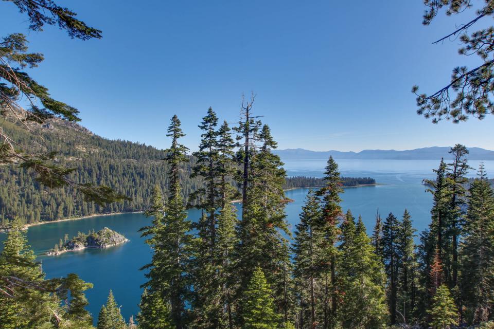 Saxon Creek - South Lake Tahoe Vacation Rental - Photo 3