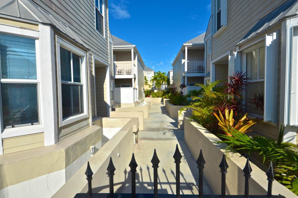 Casa Cubana @ Duval Square R14 - Key West Vacation Rental - Photo 22