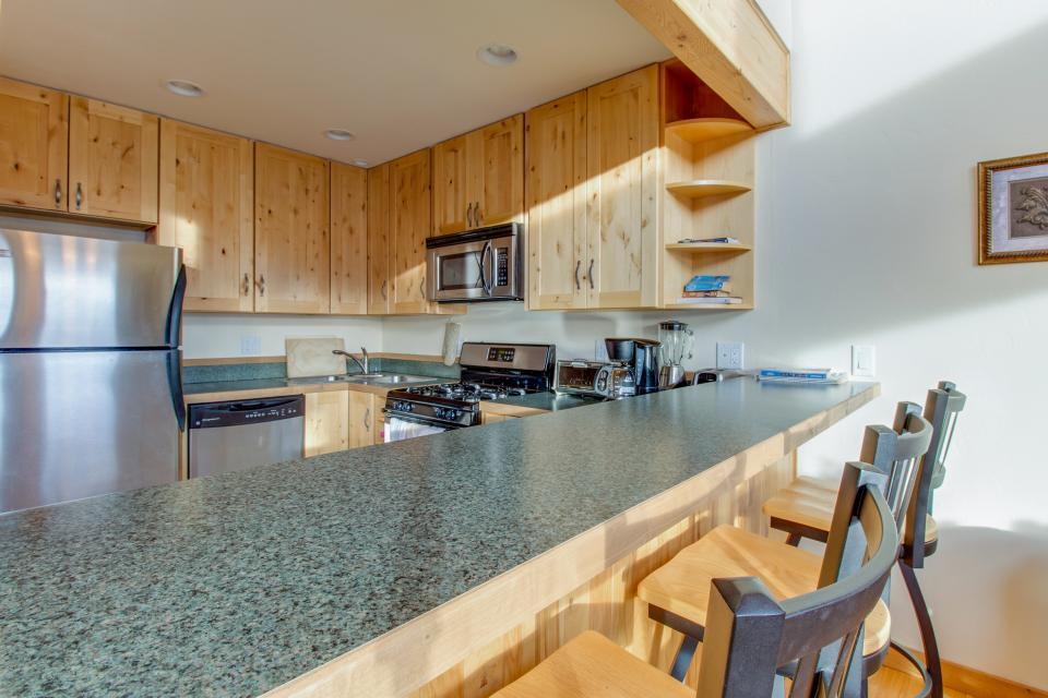 Ptarmigan Mountain Home  - Silverthorne Vacation Rental - Photo 11