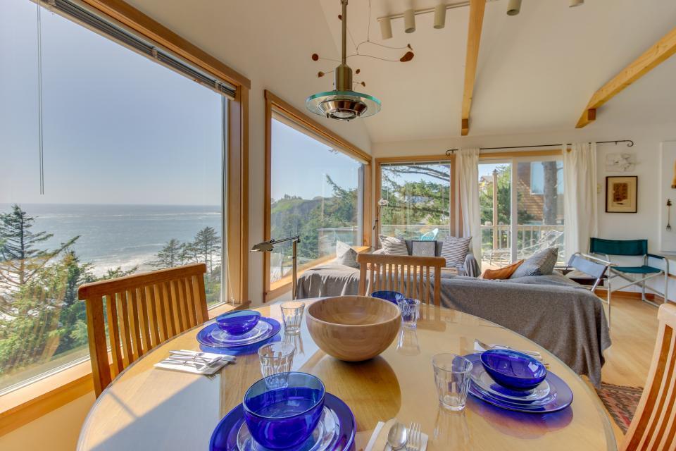 The Blue Door - Oceanside Vacation Rental - Photo 10