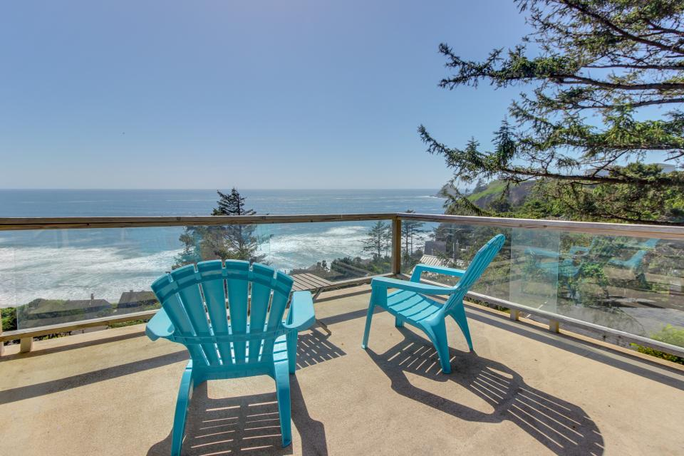 The Blue Door - Oceanside Vacation Rental - Photo 5
