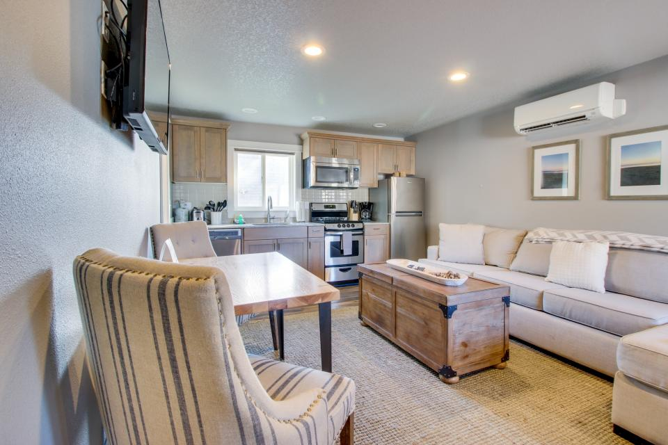 Clam Cannery #3 - Oceanside Vacation Rental - Photo 4