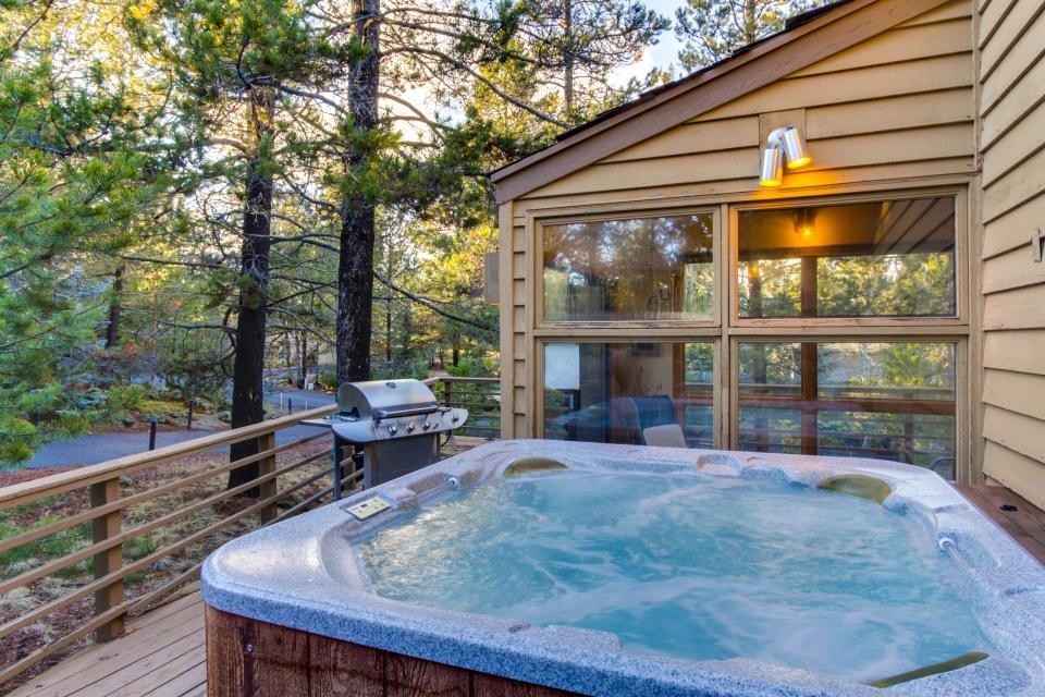 5 Tan Oak - Sunriver Vacation Rental - Photo 2