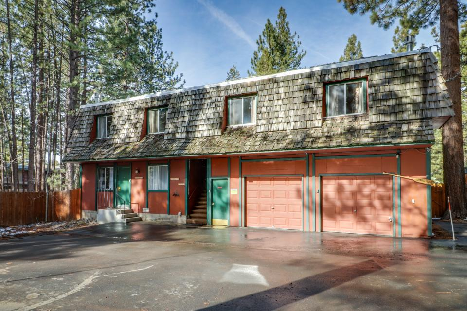 Spruce Grove Steamer Tahoe Cabin Condo - South Lake Tahoe - Take a Virtual Tour