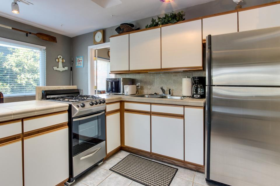 The Yellow Cottage - San Diego Vacation Rental - Photo 4