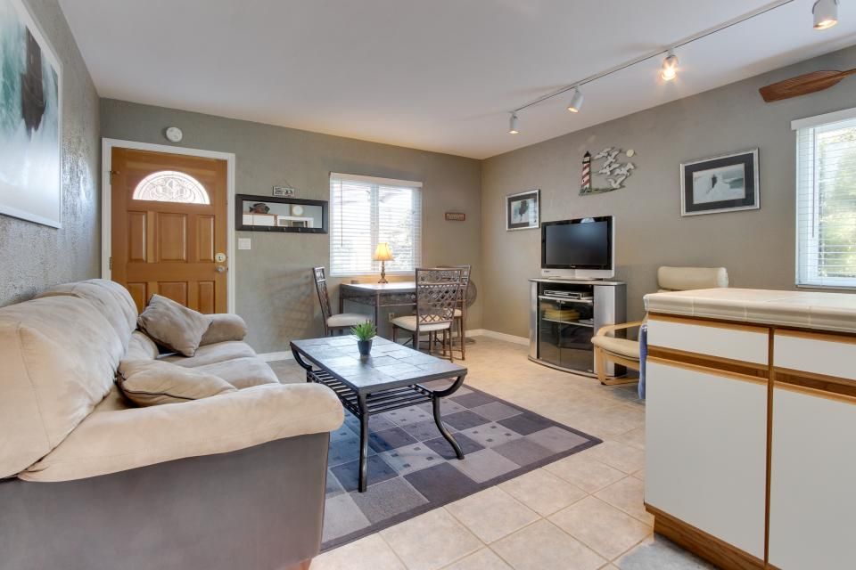 The Yellow Cottage - San Diego Vacation Rental - Photo 6
