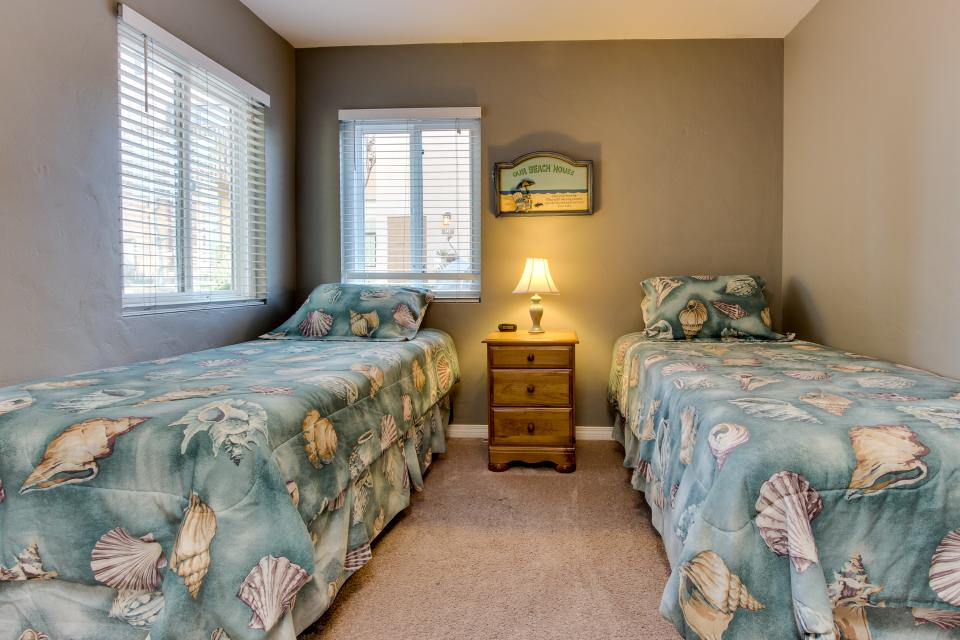 The Yellow Cottage - San Diego Vacation Rental - Photo 8