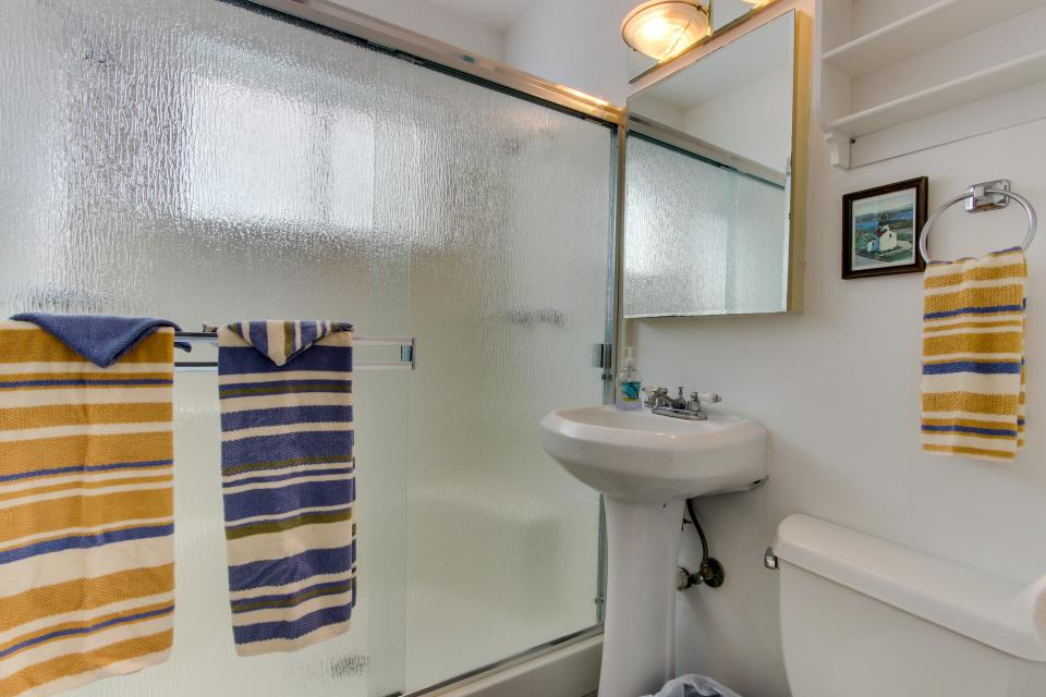 The Yellow Cottage - San Diego Vacation Rental - Photo 12