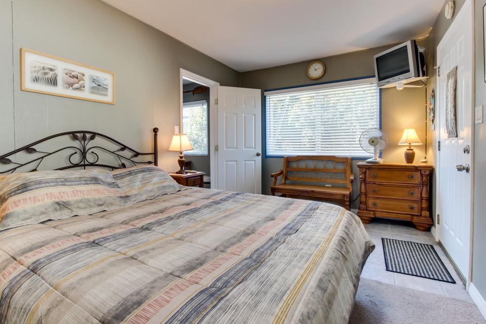 The Yellow Cottage - San Diego Vacation Rental - Photo 13