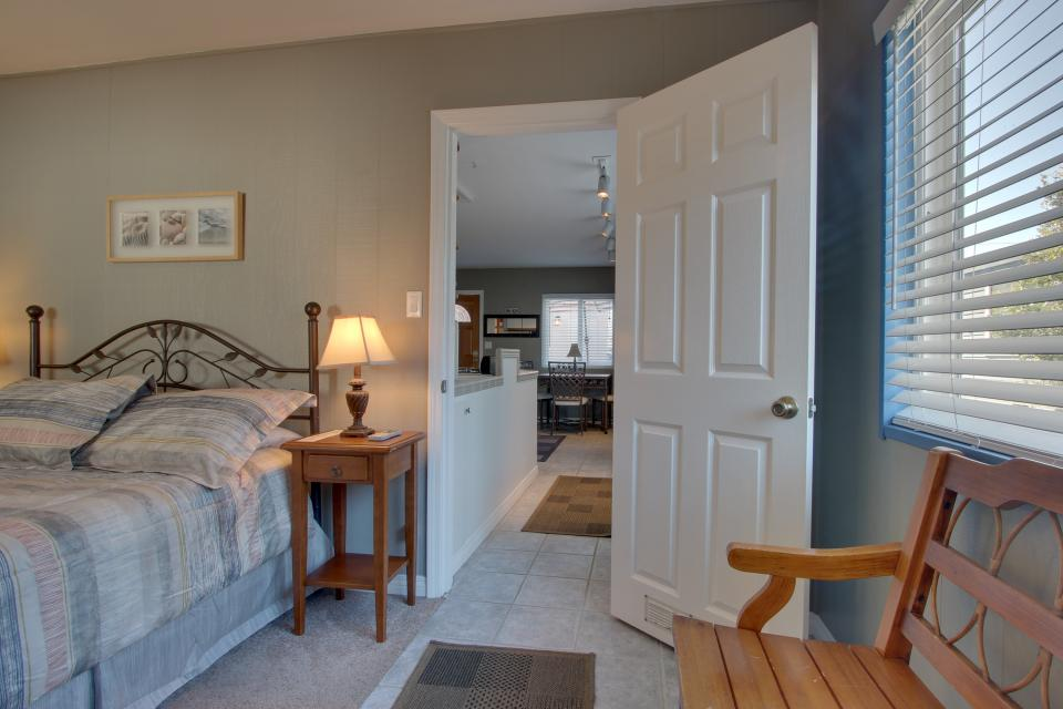 The Yellow Cottage - San Diego Vacation Rental - Photo 15