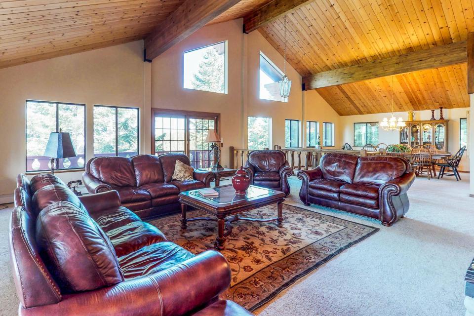 House on Cold Creek - South Lake Tahoe - Take a Virtual Tour