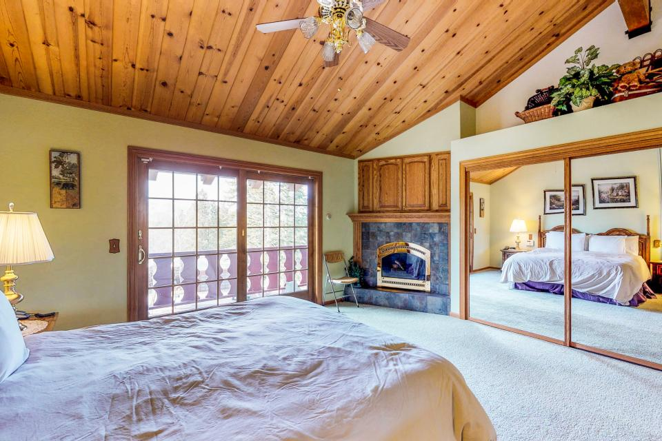 House on Cold Creek - South Lake Tahoe Vacation Rental - Photo 12