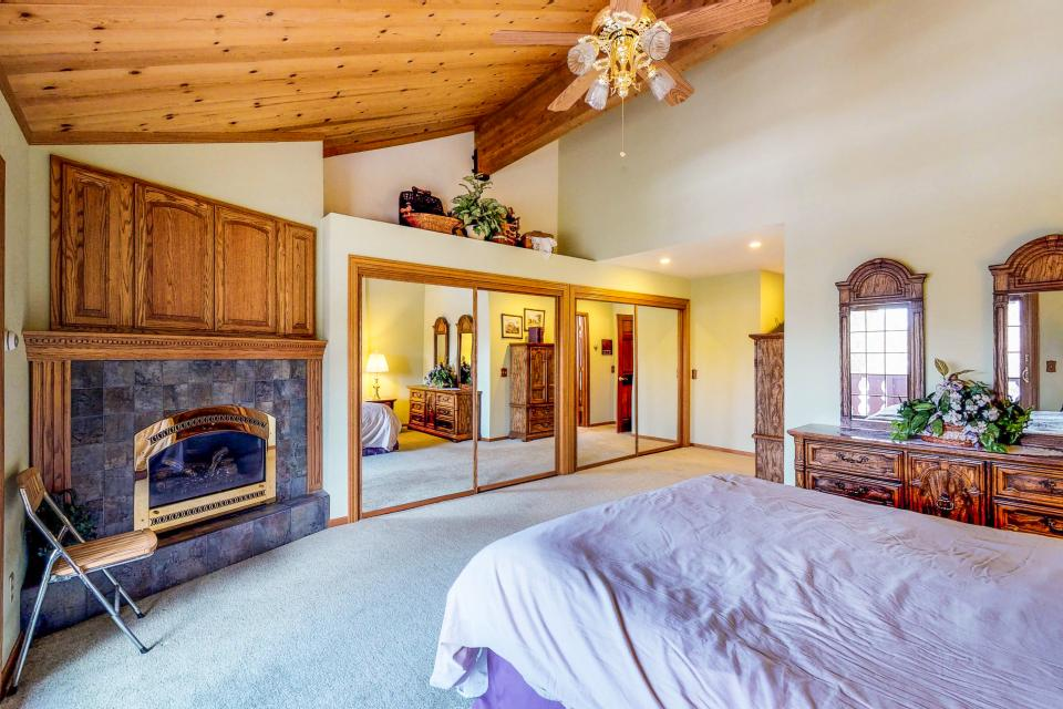 House on Cold Creek - South Lake Tahoe Vacation Rental - Photo 33