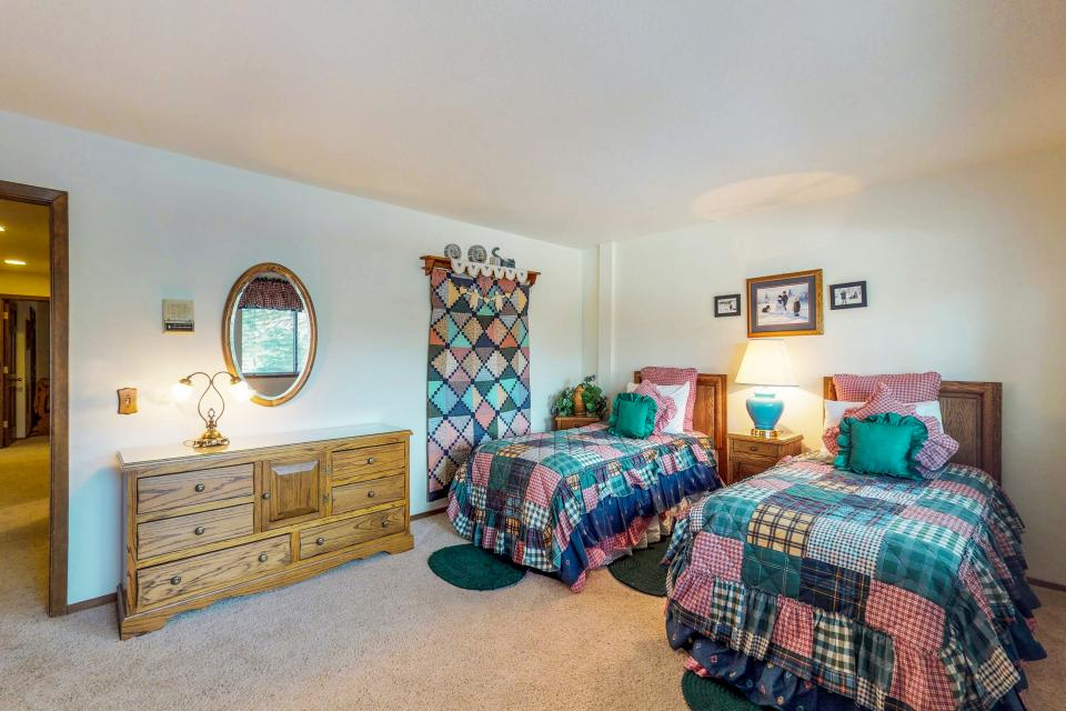 House on Cold Creek - South Lake Tahoe Vacation Rental - Photo 25