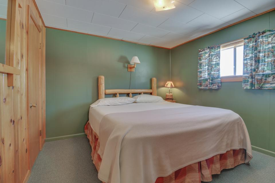 Coyote Cabin - South Fork Vacation Rental - Photo 6