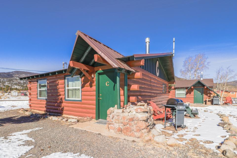 Coyote Cabin - South Fork Vacation Rental - Photo 3