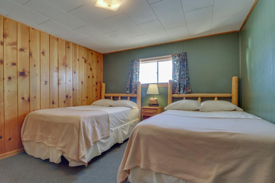 Deer Cabin  - South Fork Vacation Rental - Photo 11
