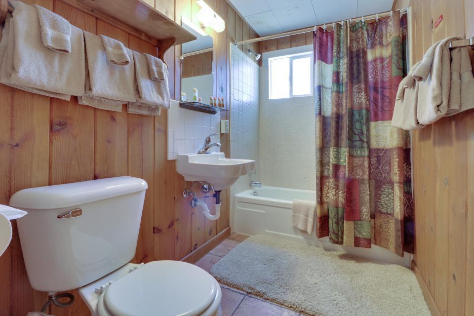 Deer Cabin  - South Fork Vacation Rental - Photo 8