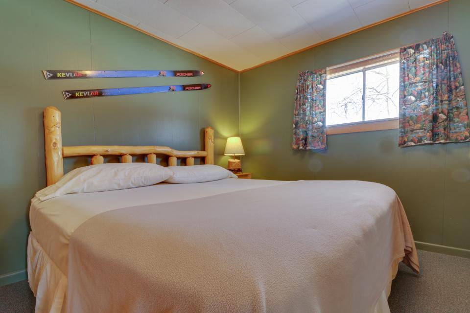 Deer Cabin  - South Fork Vacation Rental - Photo 10