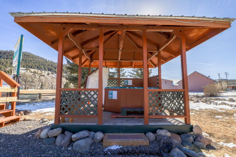 Deer Cabin  - South Fork Vacation Rental - Photo 17