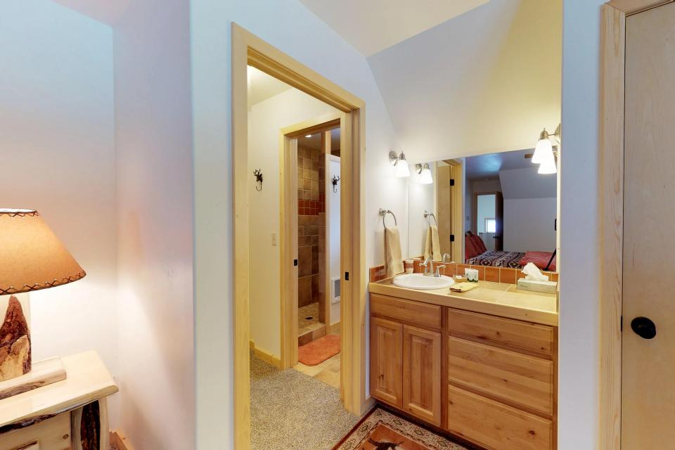 Cabin Fever - McCall Vacation Rental - Photo 18