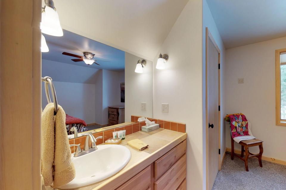 Cabin Fever - McCall Vacation Rental - Photo 19