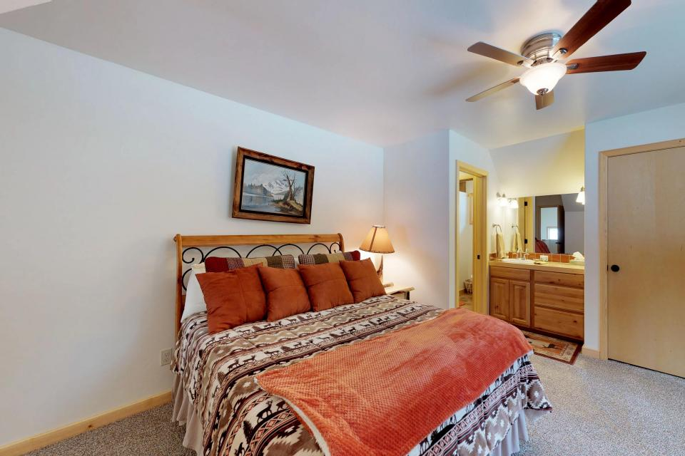 Cabin Fever - McCall Vacation Rental - Photo 17
