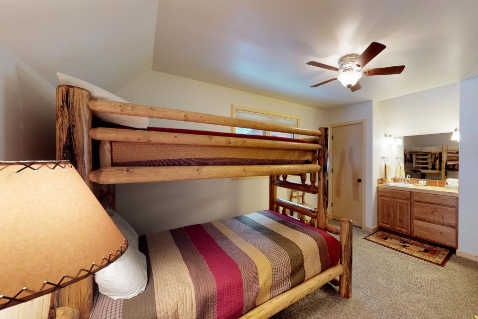 Cabin Fever - McCall Vacation Rental - Photo 21